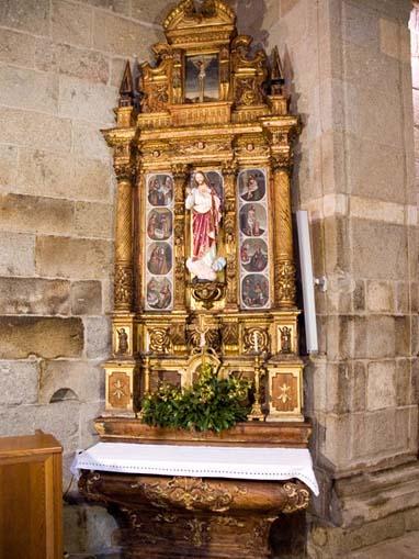 Retábulo colateral da Igreja de São Vicente de Sousa