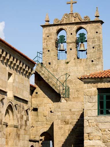 Torre sineira da Igreja de São Vicente de Sousa
