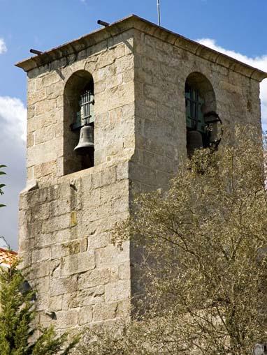 Torre sineira da Igreja de Santa Maria de Airães